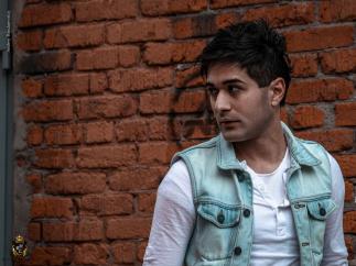 Молодой и амбициозный певец Octavian
