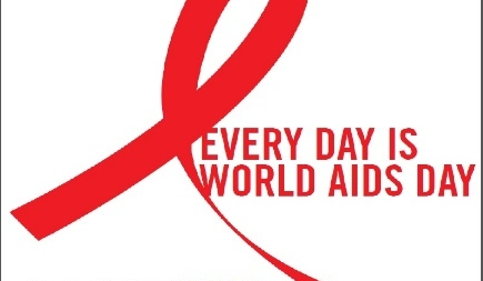 1 декабря Всемирный день борьбы со СПИД: Анна Плетнева амбассадор MAC Cosmetics. Встреча в ТЦ «Метрополис»