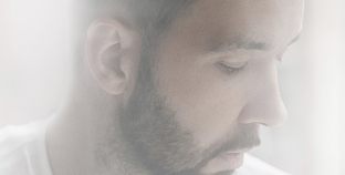 Новый альбом Дениса Клявера «Любовь-тишина»