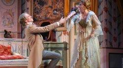 Комедийный спектакль Красавец мужчина на сцене МХАТ им. М. Горького
