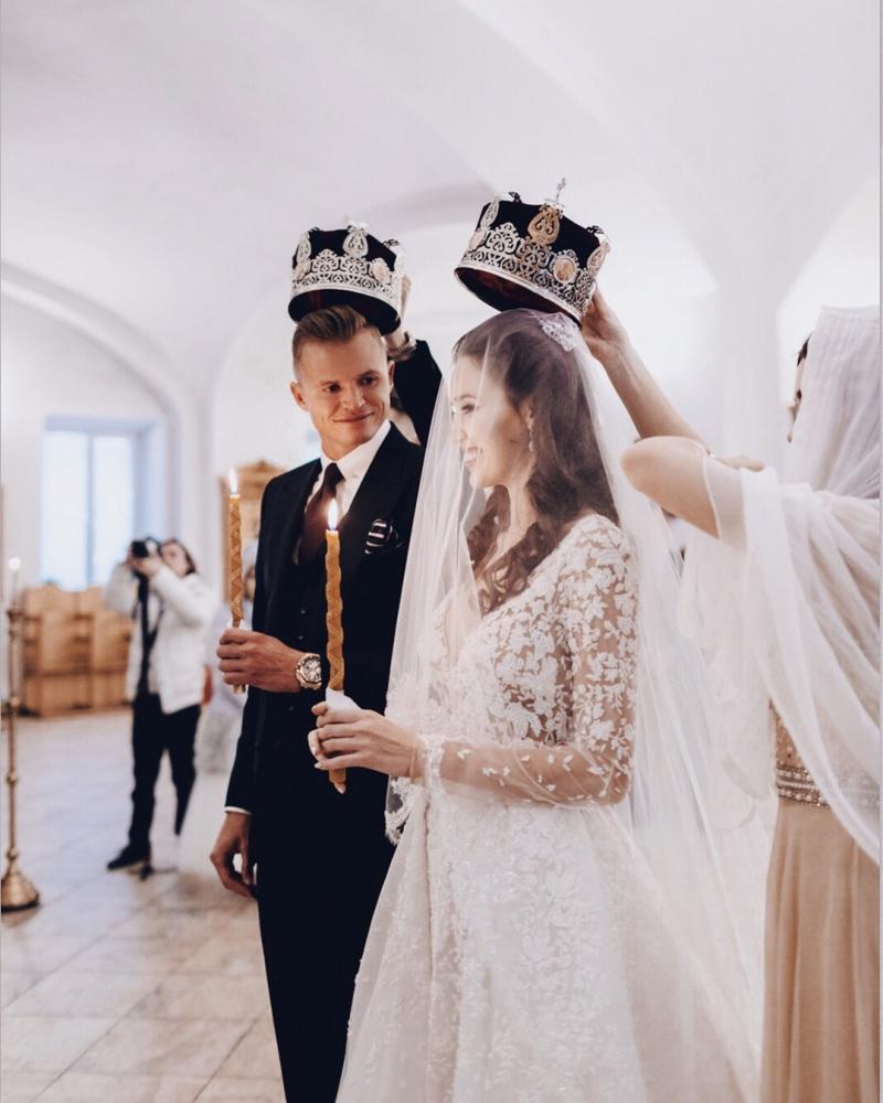 Дмитрий Тарасов признался жене в любви в годовщину венчания