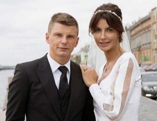 Мать Аршавина прокомментировала выселение бывшей невестки Алисы Казьминой