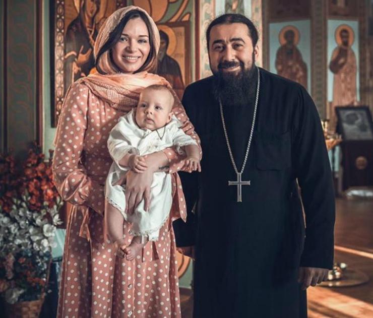 Андрей Ургант стал крестным сына бывшей жены