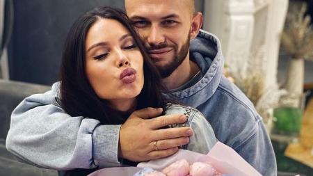 Джиган и Оксана Самойлова сделали обрезание новорожденному сыну