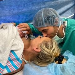 Энрике Иглесиас  показал фото новорожденного сына