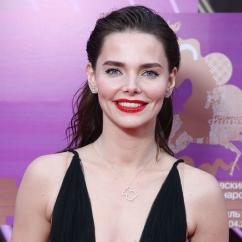 Елизавета Боярская очаровала поклонников новым фото без макияжа