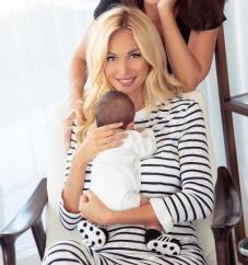 Виктория Лопырева отметила первый день рождения сына