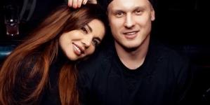 Анна Седокова поделилась фото с возлюбленным из постели